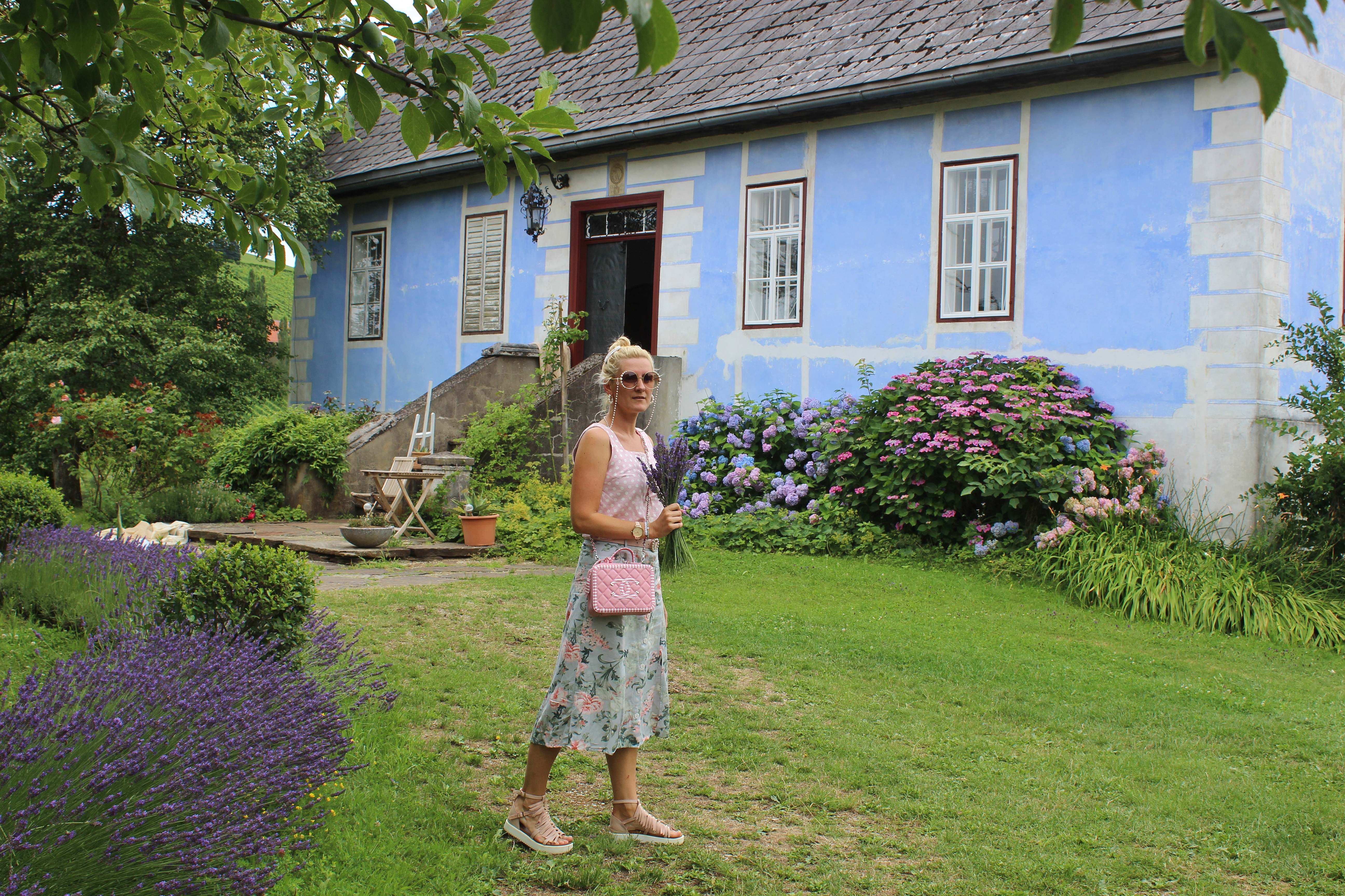Kitzeck-Sausaler-Weinstraße-Chanel-Cruise-Bag-Lavendel-Heimat-carrieslifestyle-Tamara-Prutsch