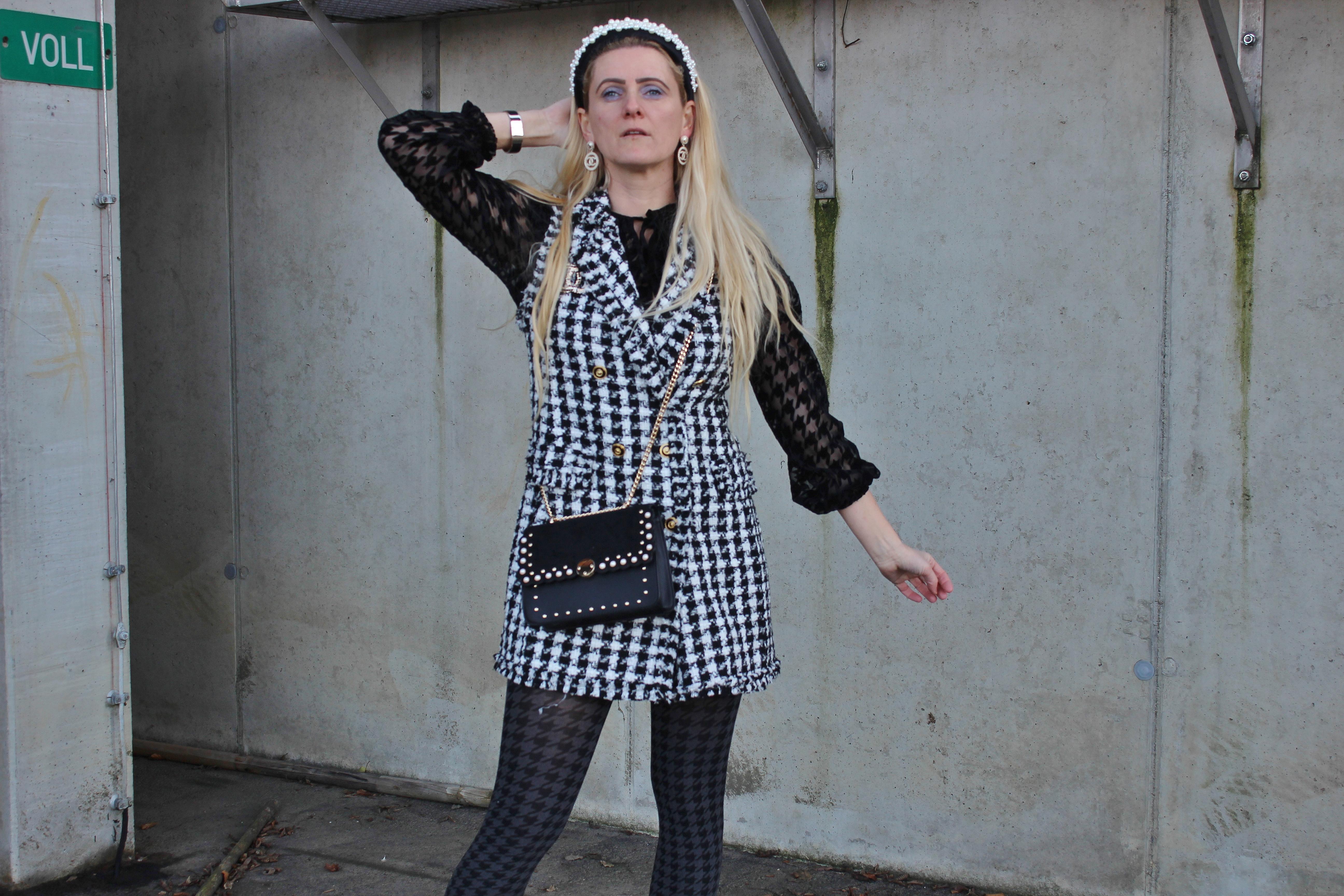 Houndstooth-Hahnentritt-Muster-Pearls-Chanel-Streetstyle-carrieslifstyle-Schwarz-Weiß-Tamara-Prutsch