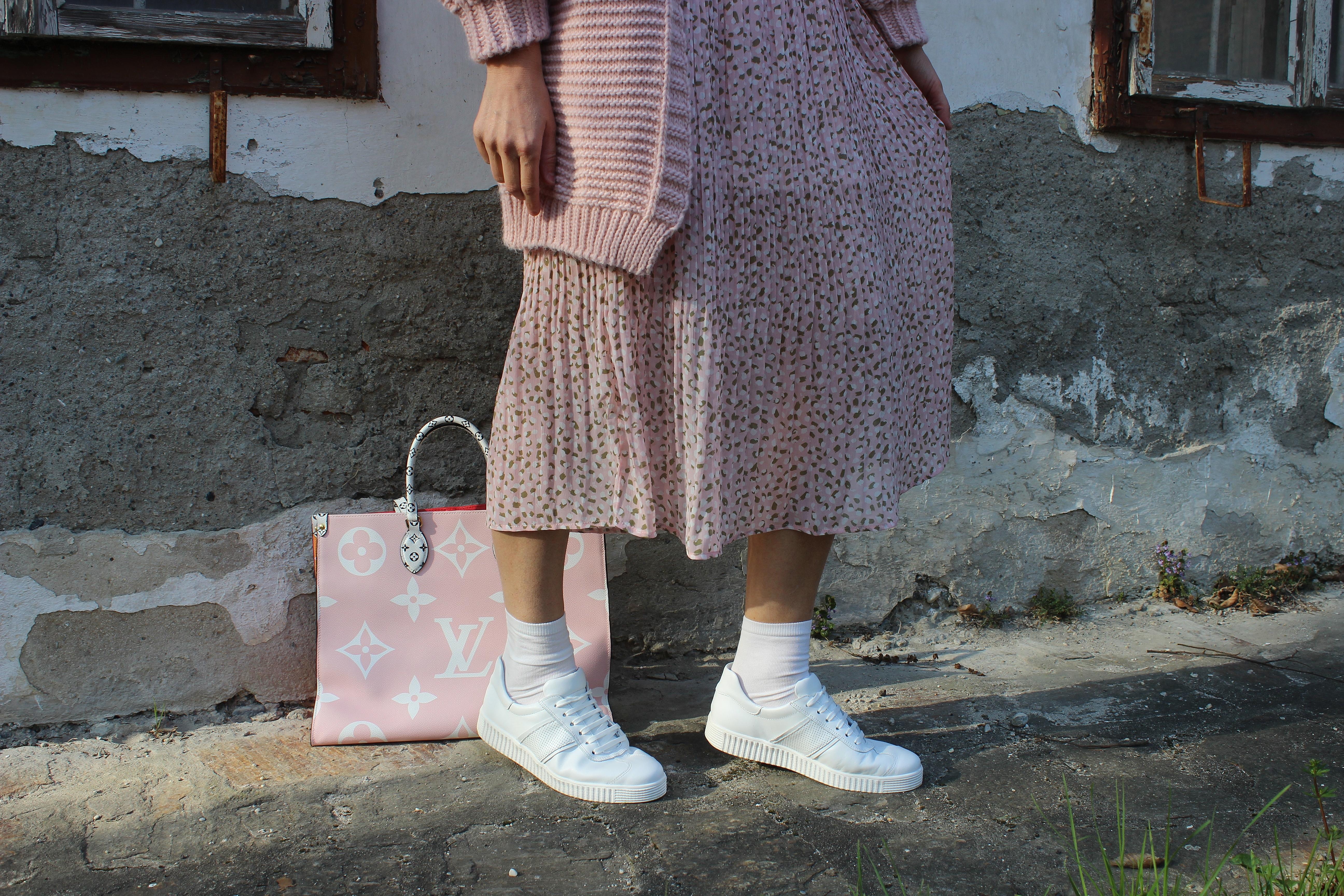 Lashoe-Hallux-Gesundheitsschuhe-Sneaker Retro Weiß- carrieslifestyle-Tamara-Prutsch-Louis Vuitton On the Go-Tasche