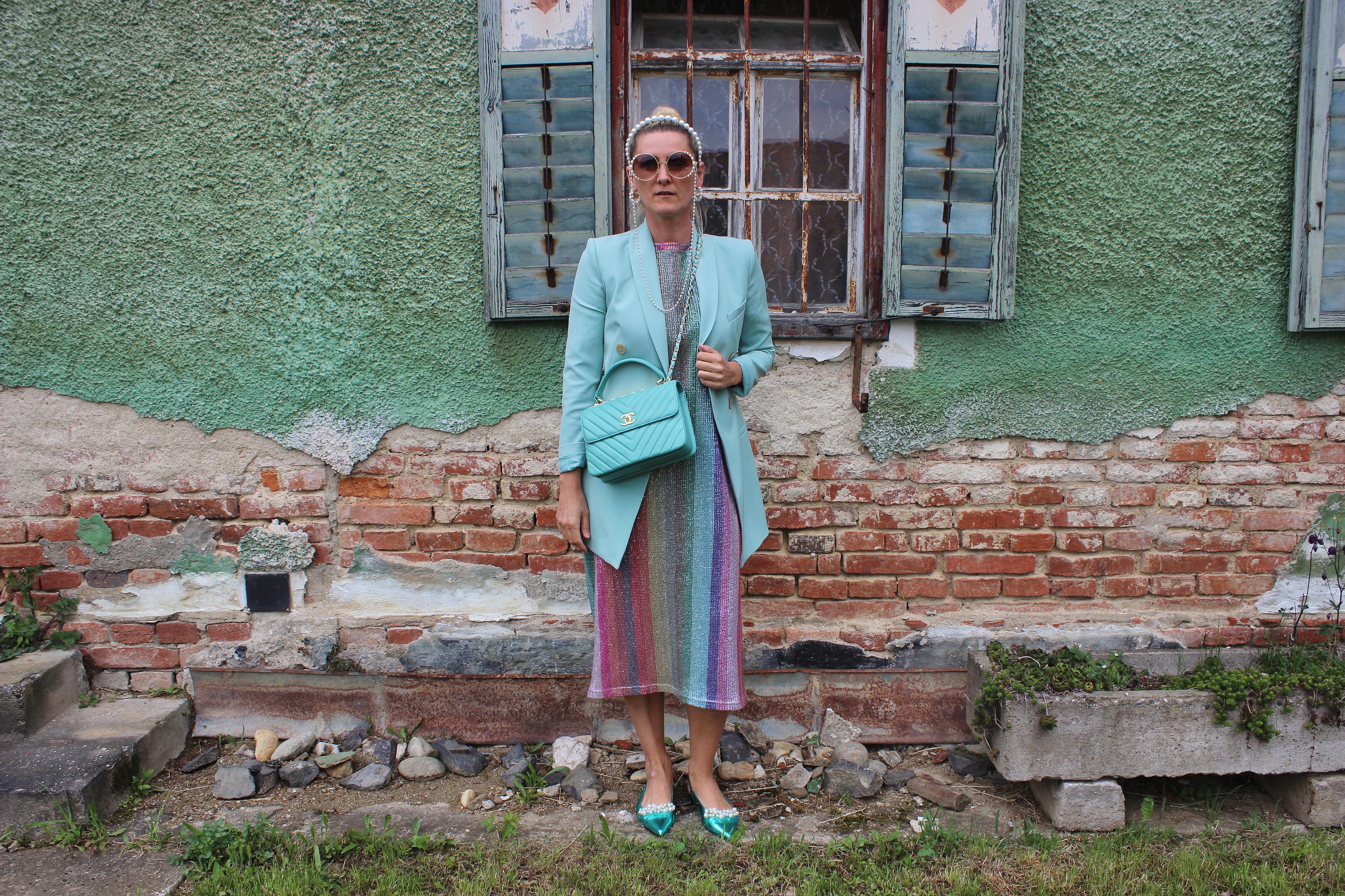 Longblazer-Trend-Mint-Regenbogenkleid-Pearls-Perlen-Chanel Tasche-Bloggerstyle-Blogger-carrieslifestyle-Tamara-Prutsch